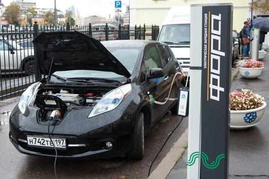 Русские АЗС оборудуют колонками для зарядки электромобилей