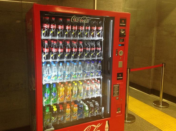 Вметро установили неменее 150 вендинговых автоматов икиосков