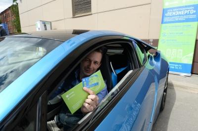 «Ленэнерго» запускает в северной столице сеть заправок для электромобилей